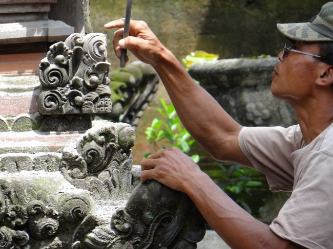 Bali - Local Stone cutter